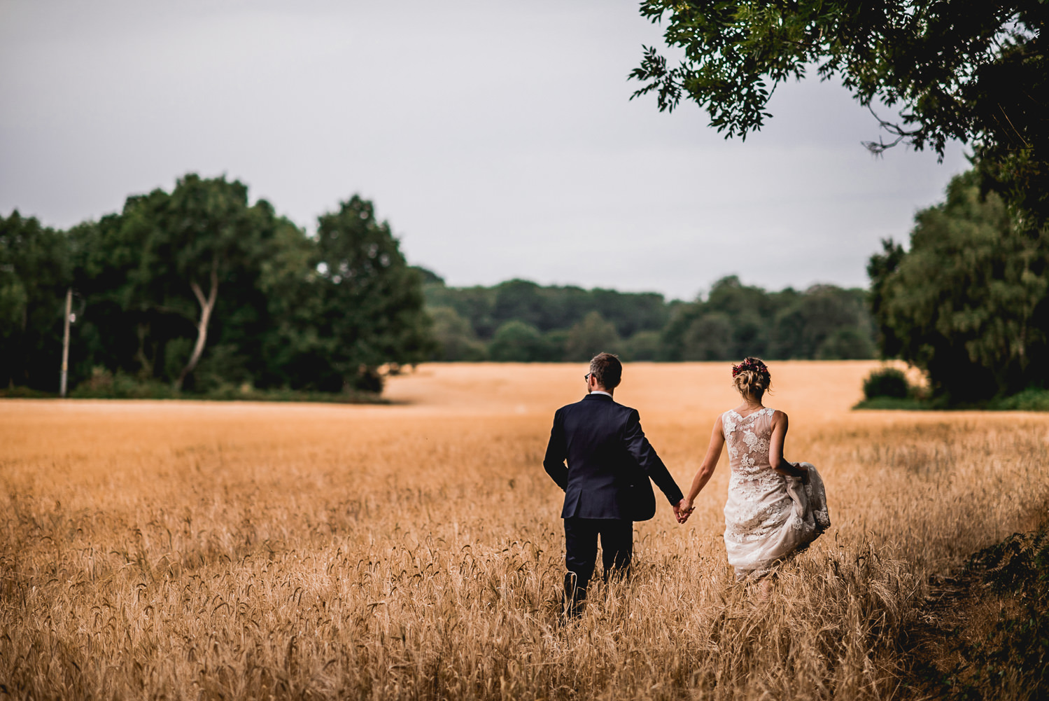 bride and groom corn field kent
