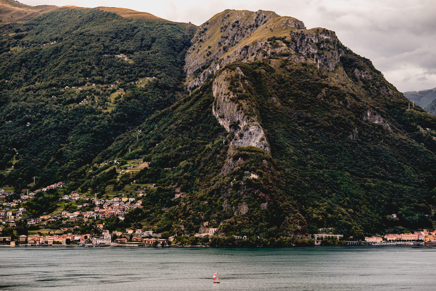 lake como scenery wedding