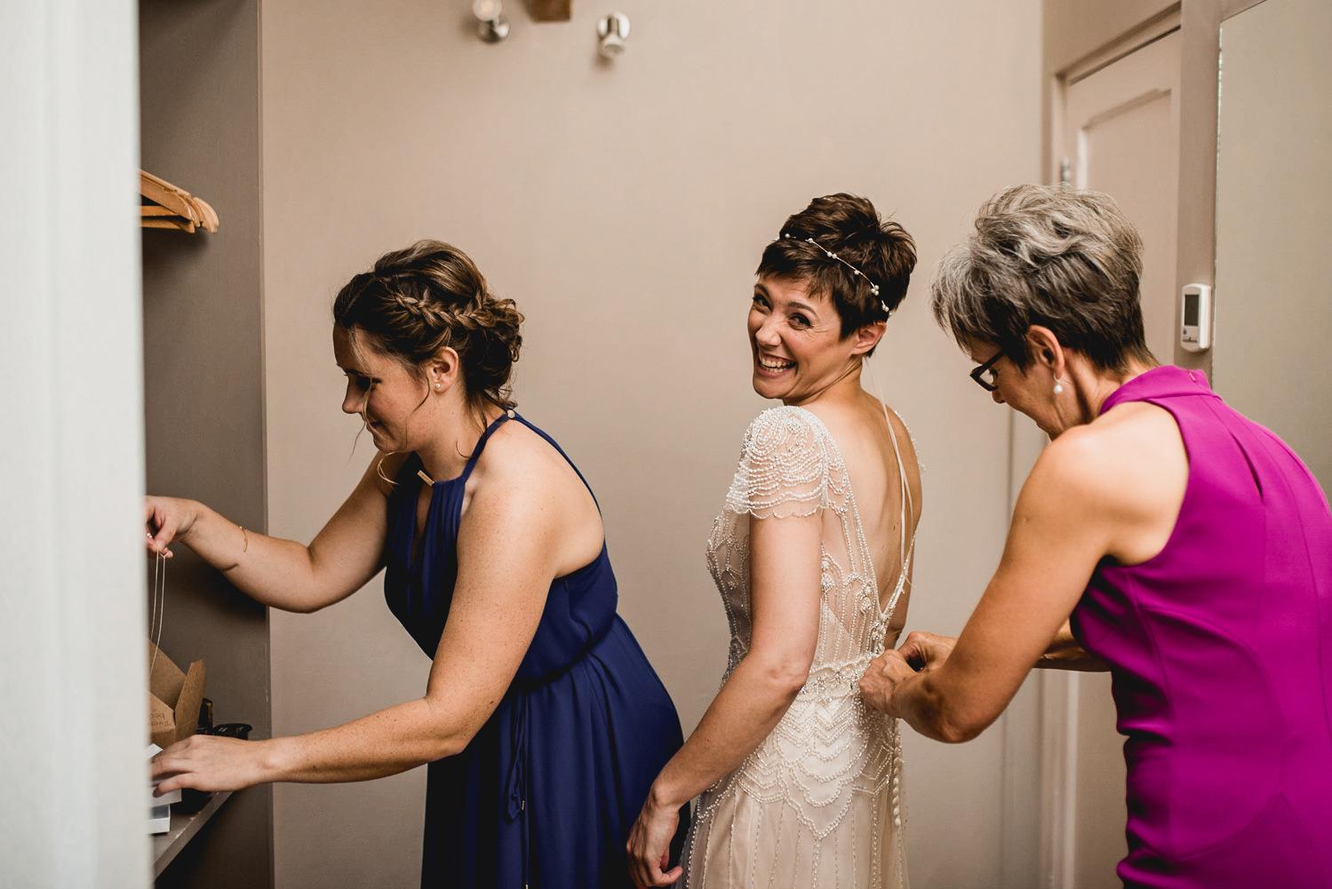 mum, sister and bride at trevenna