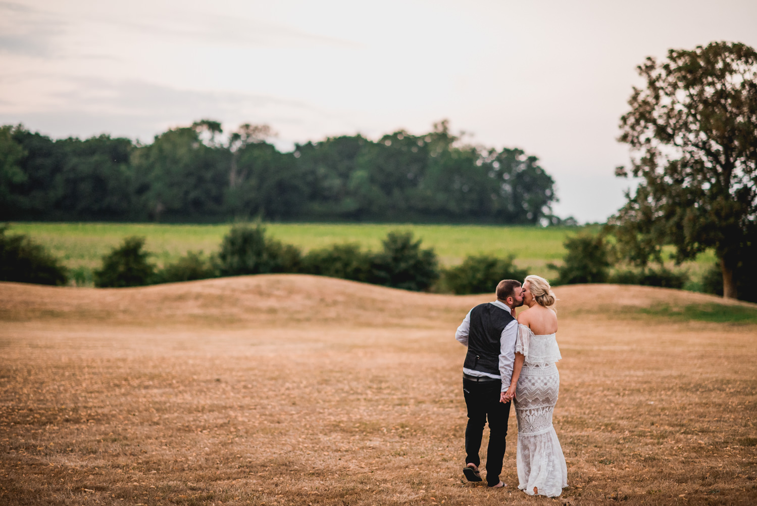 Orchardleigh Estate Wedding Kiss